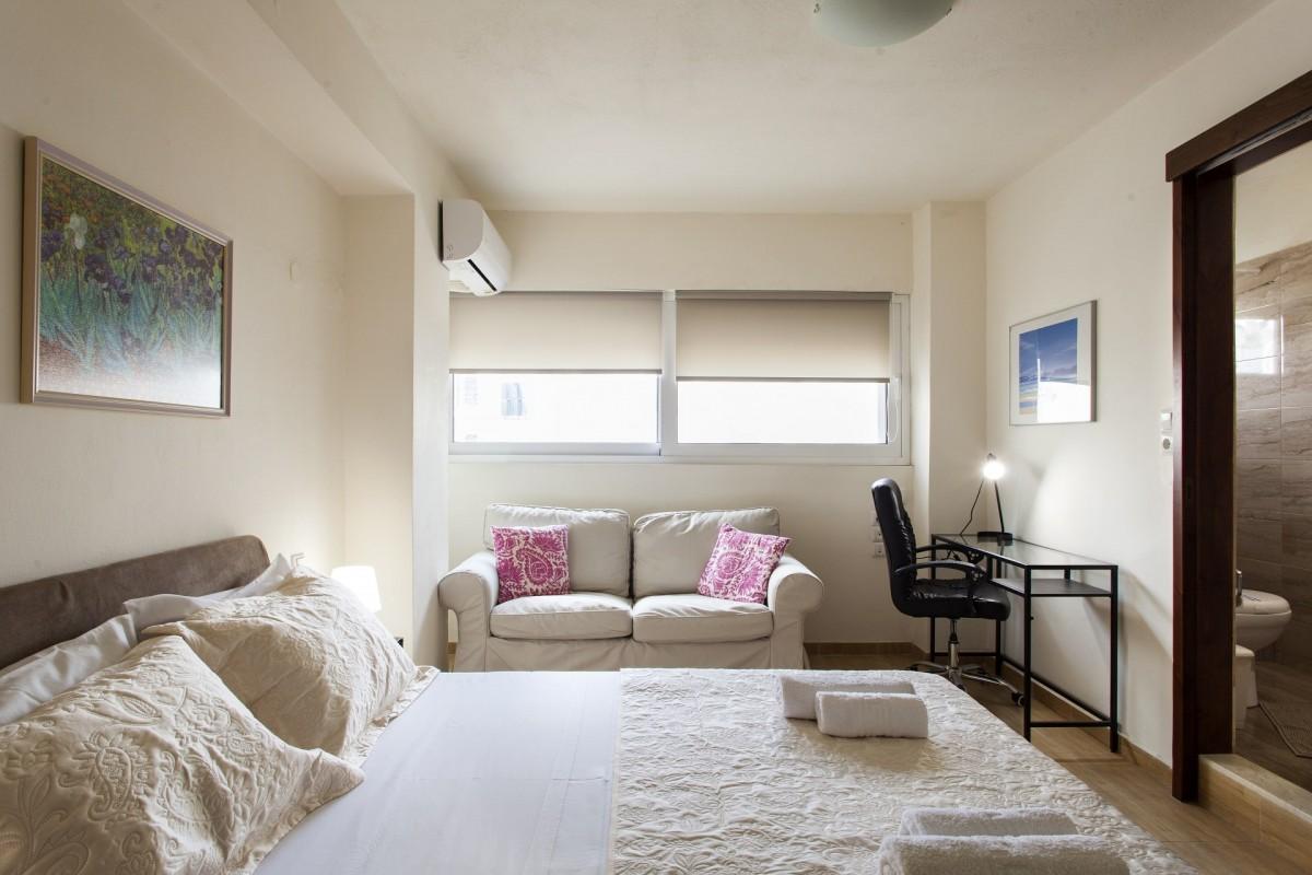 Cozy City Apartment