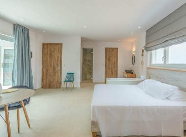 Sea View Suite 2